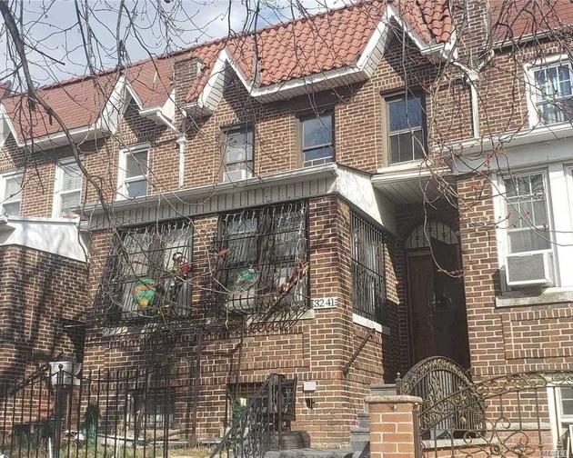 4849, E. Elmhurst, NY, 11370 - Photo 1