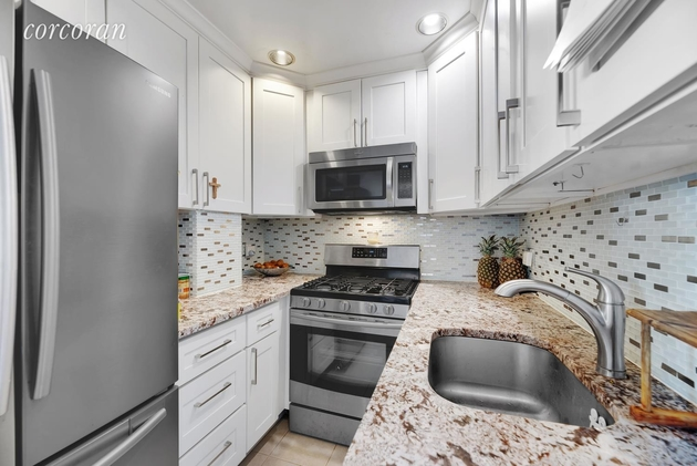 2572, Queens, NY, 11102 - Photo 2