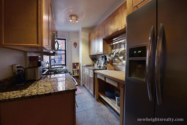 3360, New York, NY, 10034 - Photo 2