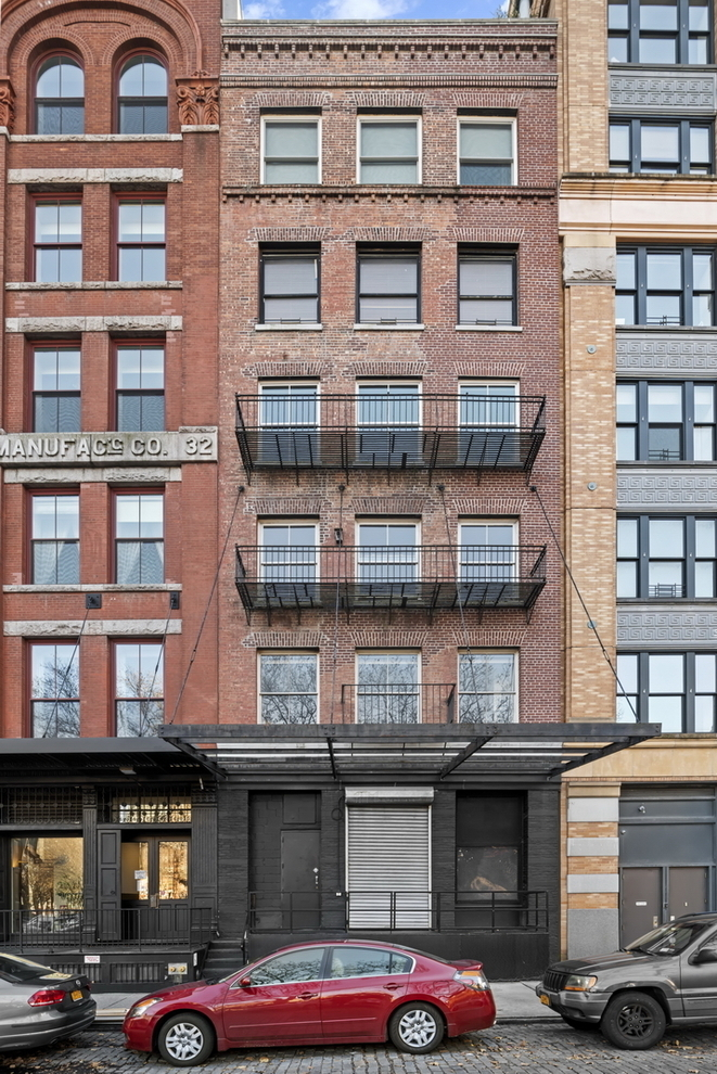 Building at 39 North Moore Street, New York, NY 10013