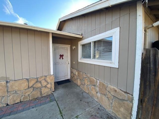Building at 7585 Chestnut Street, Gilroy, CA 95020