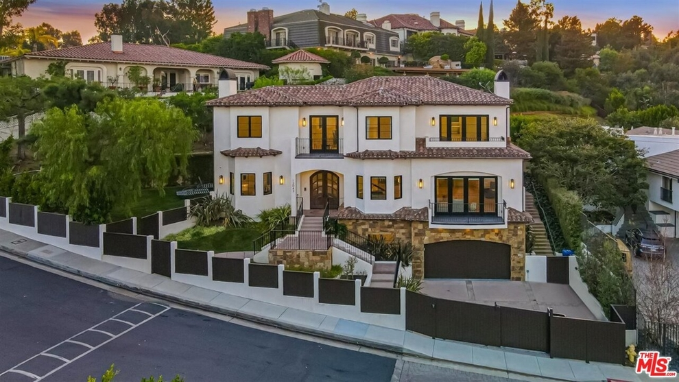 Building at 12043 Summit Circle, Beverly Hills, CA 90210