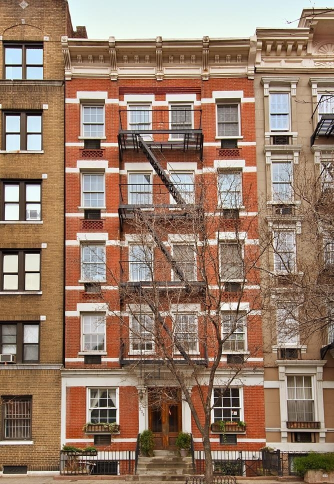 Building at 335 West 21st Street, New York, NY 10011