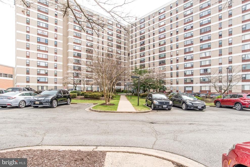 Building at 4600 Duke Street, Alexandria, VA 22304