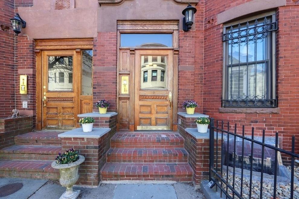 Building at 9 Albemarle Street, Boston, MA 02115