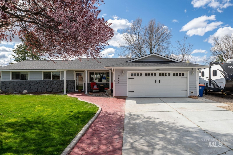 Building at 7645 West Remuda Drive, Boise, ID 83709