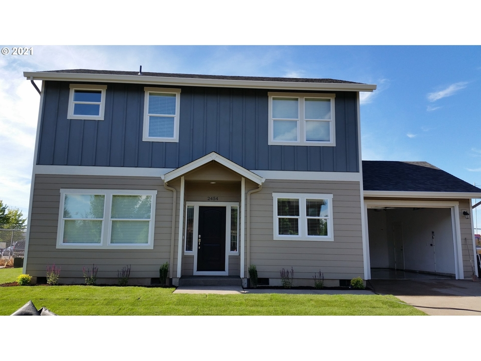 Building at 2454 25th Avenue, Forest Grove, OR 97116