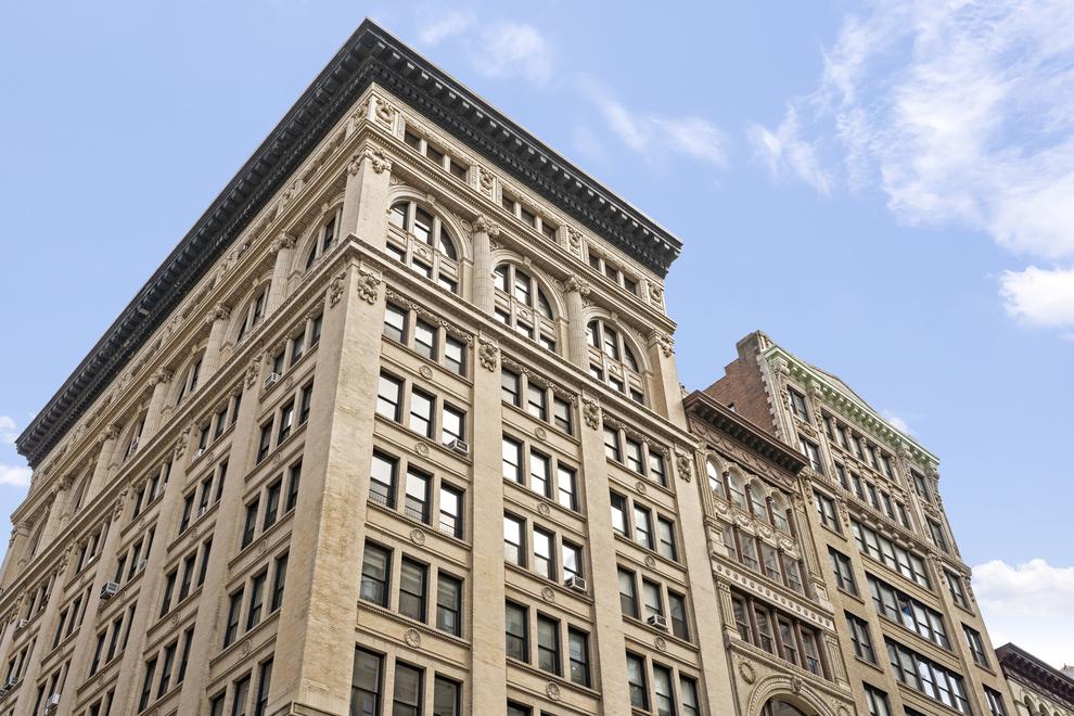 Building at 105 5th Avenue, New York, NY 10003