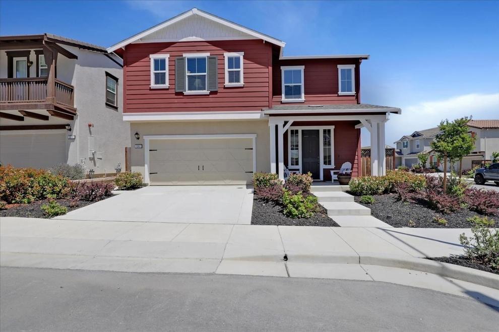 Building at 1061 Viognier Way, Gilroy, CA 95020