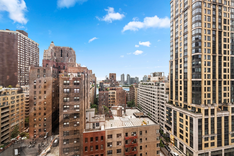 Building at 351 East 51st Street, New York, NY 10022