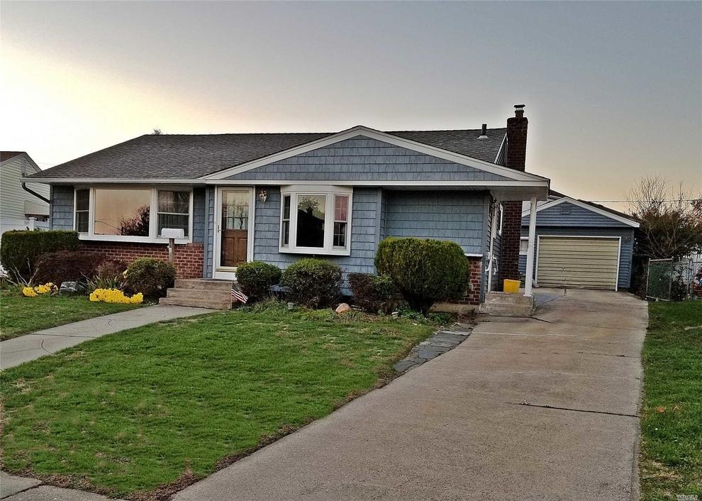 11 Lehigh Lane Hicksville Ny 11801 Sales Floorplans Property Records Realtyhop