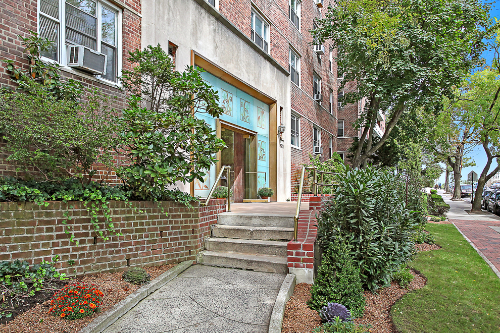 Building at 5601 Riverdale Avenue, Bronx, NY 10471