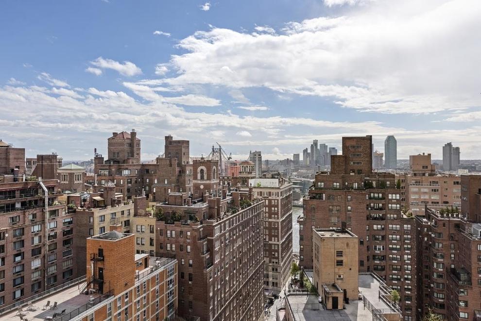 400 East 56th Street New York Ny 10022 Sales