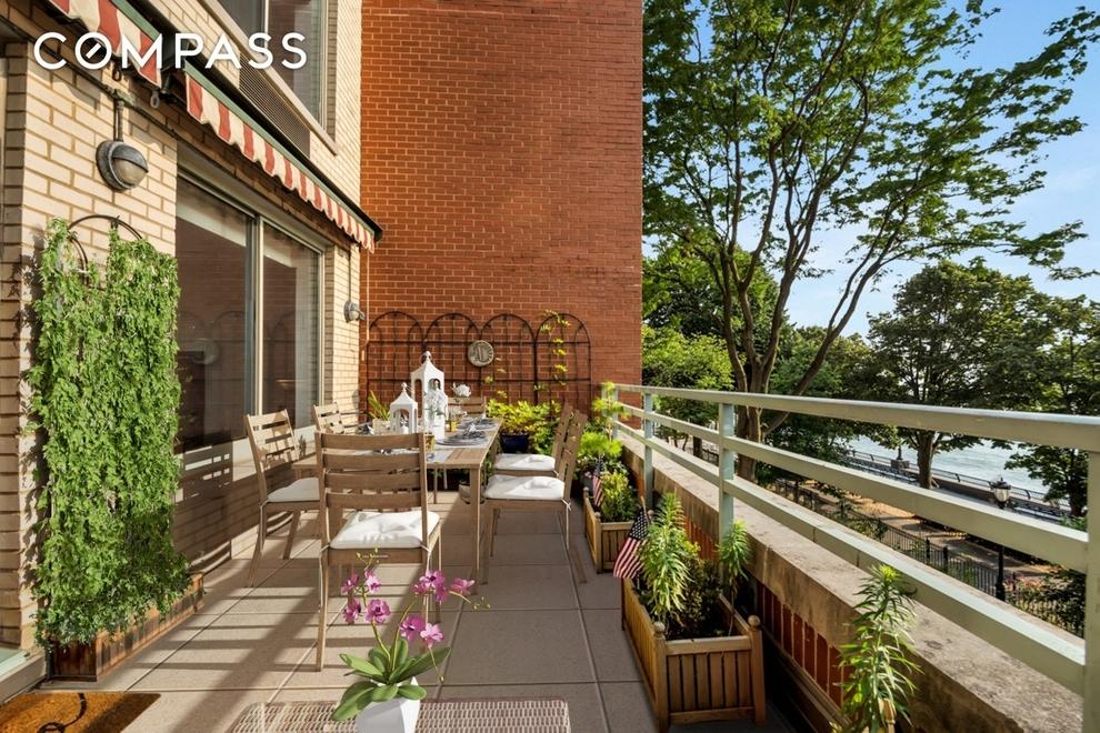 21 South End Avenue, New York, NY 10280: Sales, Floorplans
