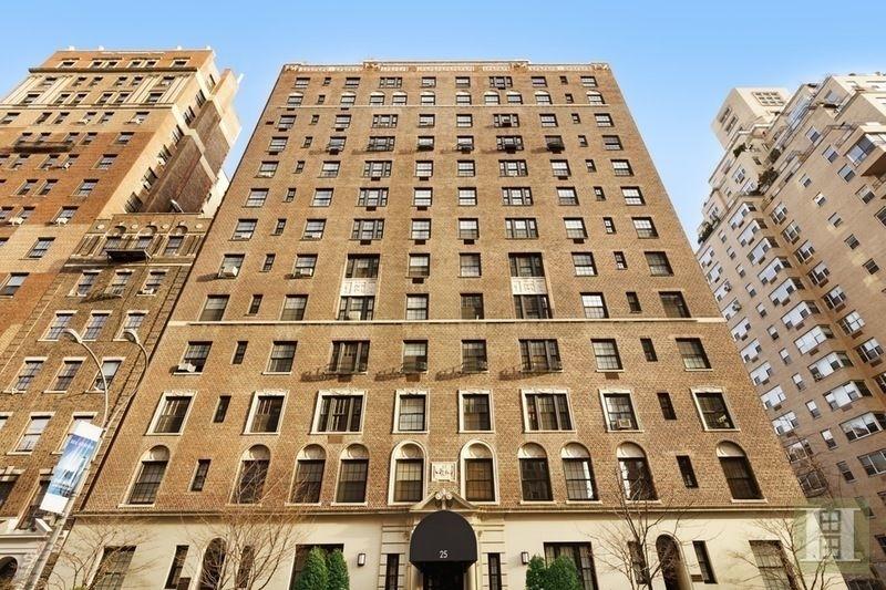 Building at 25 5th Avenue, New York, NY 10003