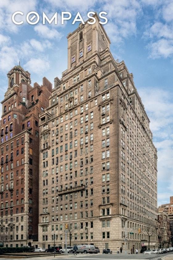 Building at 784 Park Avenue, New York, NY 10021
